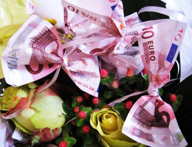 Blumen und Geld